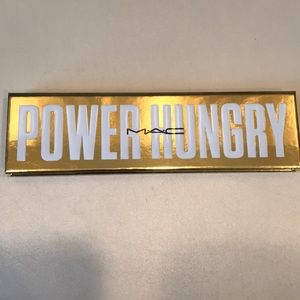 NWOT-Mac Cosmetics POWER HUNGRY Palette